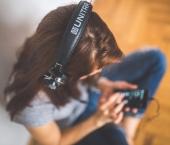 woman-girl-technology-music.jpg