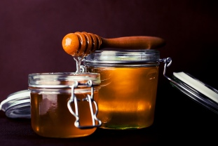 honey -spoon-honey-jar